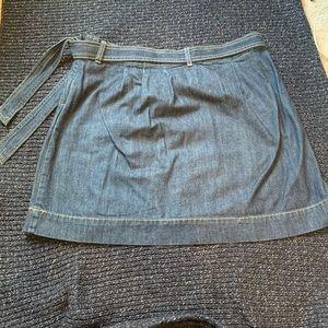 Old Navy High-waisted short denim skirt